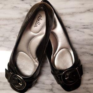Abella Classic Black Ballet Flats size 5 1/2